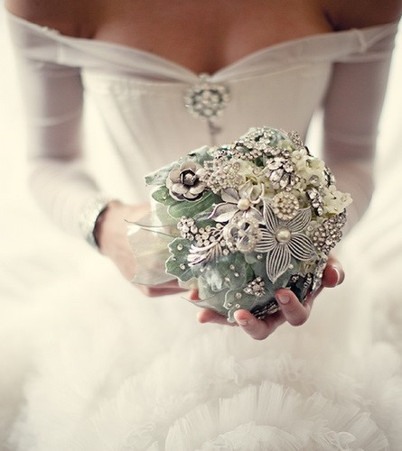 Bridal Bouquet Made Of Jewels : Heirlooms of the future vintage brooch bouquets from