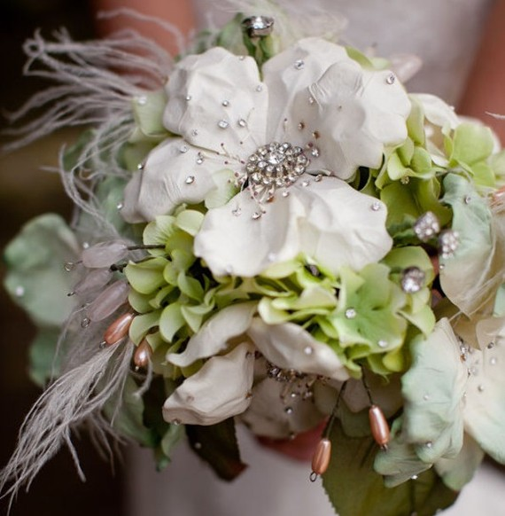 Vintage Wedding Flowers: Vintage Brooch Bouquets From