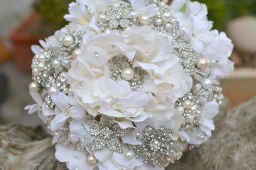 Silver & Pearl Bridal Brooch Bouquet