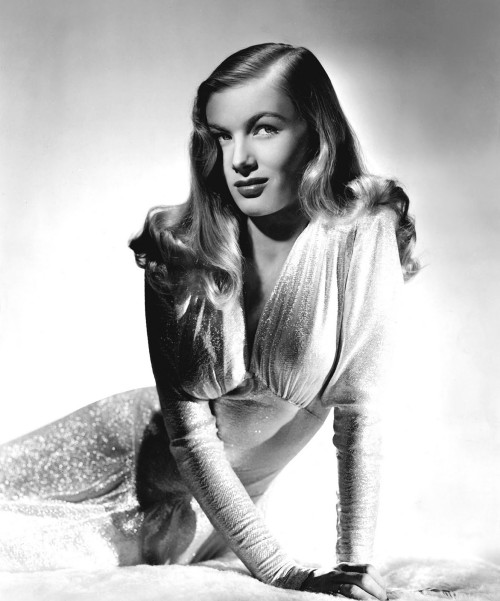 Veronica Lake Pin Curls Hair