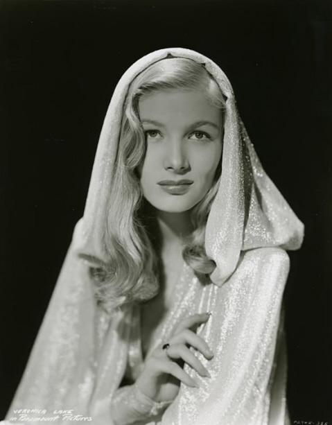 Pin Curls & 1940s White Dress