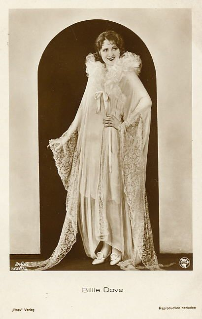 1920s Glamorous Flapper Outfit