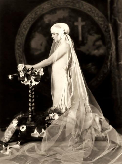 1920s Wedding Dress and Juliet Cap Veil