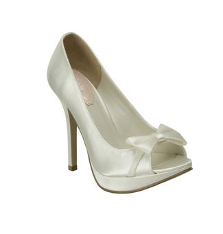 1950s 1960s Platform Bridal Shoe